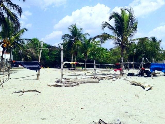 Viajando a dedo por Colombia. Playa de Tolu