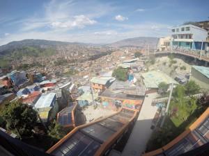 La vista desde las casas de la Comuna 13, Medellín