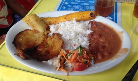 platos tipicos en Colombia