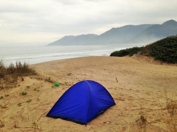 Carpa en playa de florianopolis, Pantano do sul.