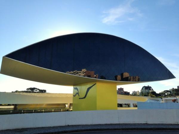Museo de Oscar Niemeyer en Curitiba