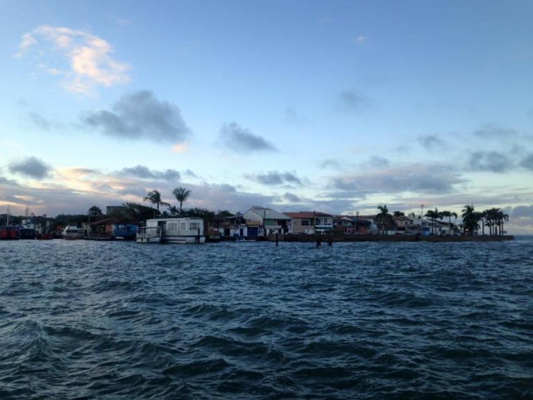 Balsa arrail d'ajuda- Porto Seguro