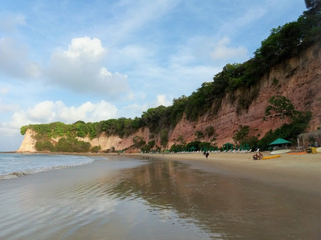 Playa dos golfinhos en pipa.