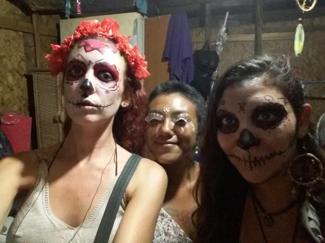 Disfraces y maquillaje artístico para el Carnaval de Olinda, Brasil