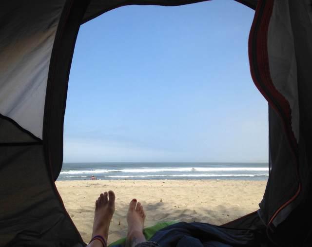 Viajar barato, acampar en la playa