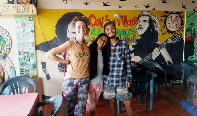 mochileros en venezuela - gente local